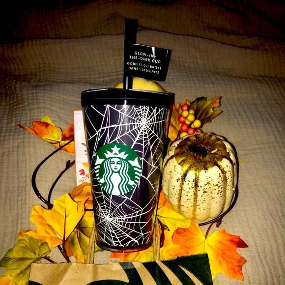 Starbucks Spiderweb 🕸🕷Glow in the dark tumbler